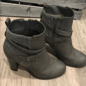 Juicy couture gray booties women's size 10